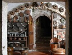 Utensili da cucina in rame tra tradizione e innovazione.