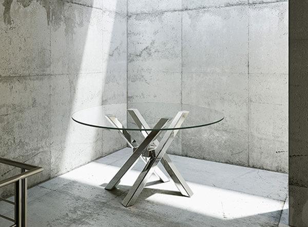 Salone del mobile 2015 le ultime tendenze i tavoli for Tavolo rotondo vetro