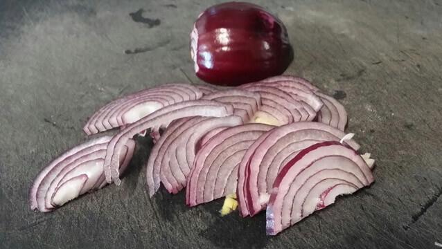 Taglio filangè della cipolla tecnica di taglio cipolla