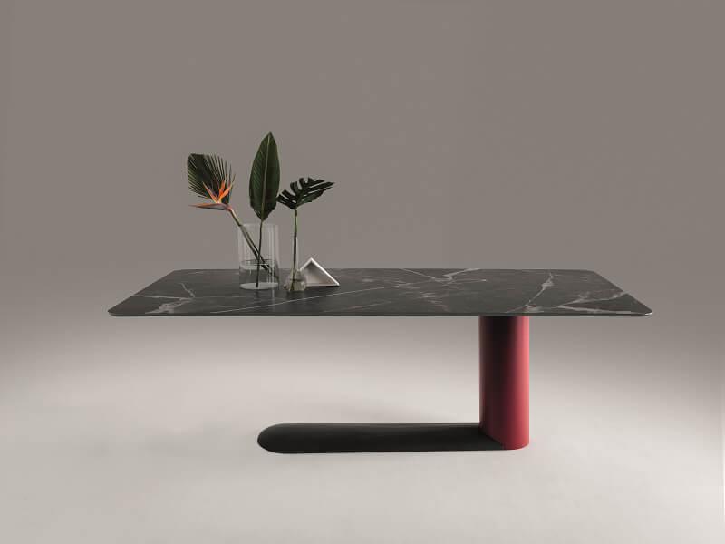 Bold Table Lago Design