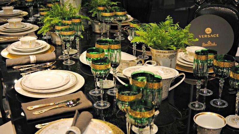 mise en place di capodanno medusa verde rosenthal meets versace